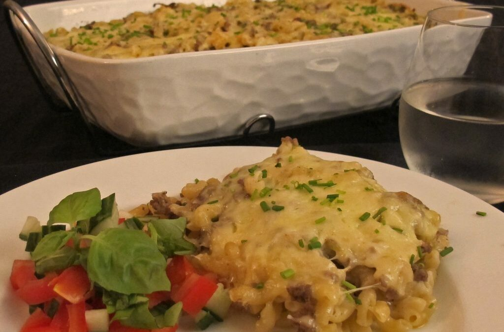 Macaroni with minced meat